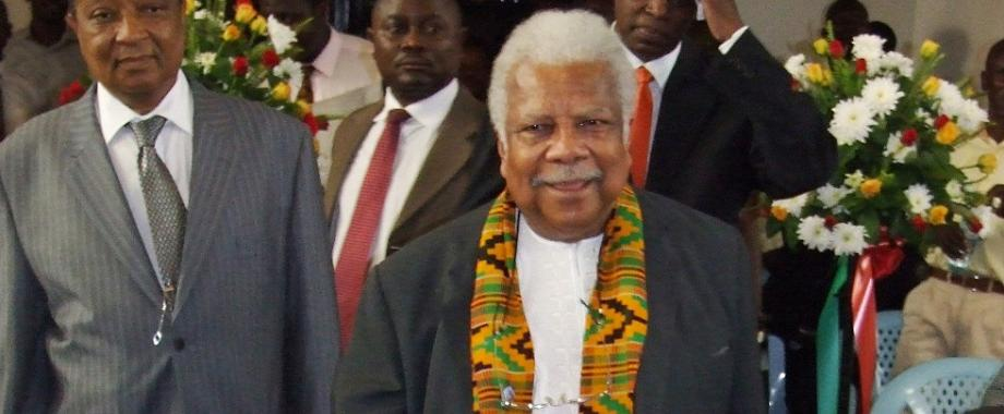 Prof. Ali A. Mazrui (Centre) flanked by Rt. Hon. Apolo R. Nsibambi (Left) makes his way into the Main Hall at the Mazruiana Project Launch 11th August 2009, Makerere University, Kampala Uganda