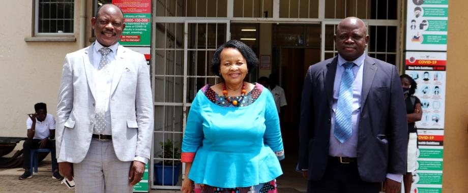 South African High Commissioner to Uganda, H.E. Lulama Mary-Theresa Xingwana (C) flanked by the Vice Chancellor, Prof. Barnabas Nawangwe (L) and First Secretary:Political, Mr. A.E. Munaka (R) after the meeting on 9th April 2021, CTF1, Makerere University.