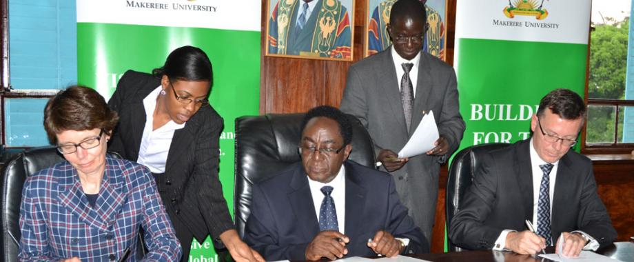 Mak-Uib sign collaboration agreement